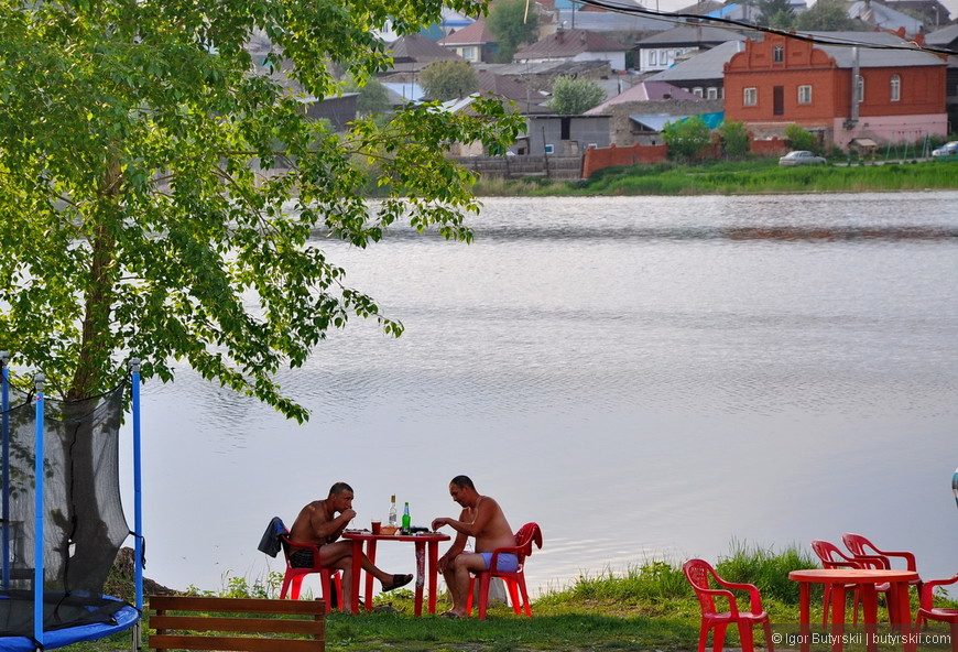 26. Романтика, лето, закат, неспешная река течет.