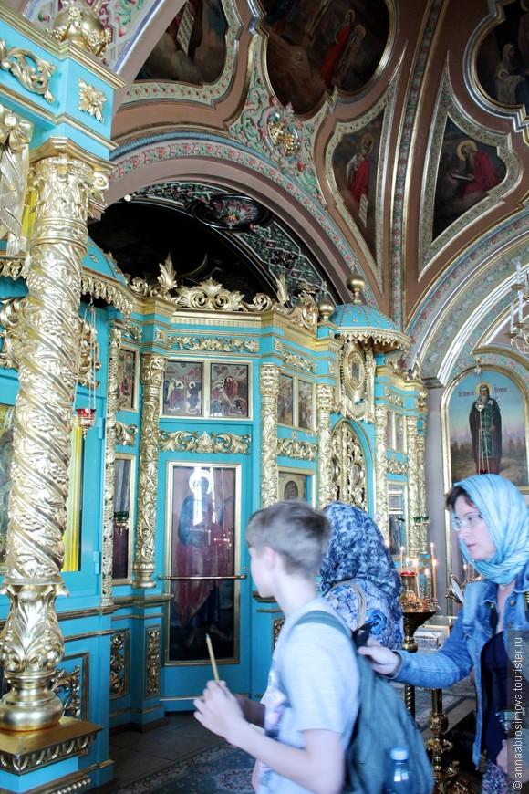 Знаменская церковь. Бирюзовый цвет