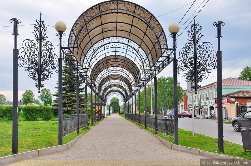 07. Не так давно Елабуга отмечала свое тысячелетие. В этом парке присутствует множество напоминаний о празднике.
