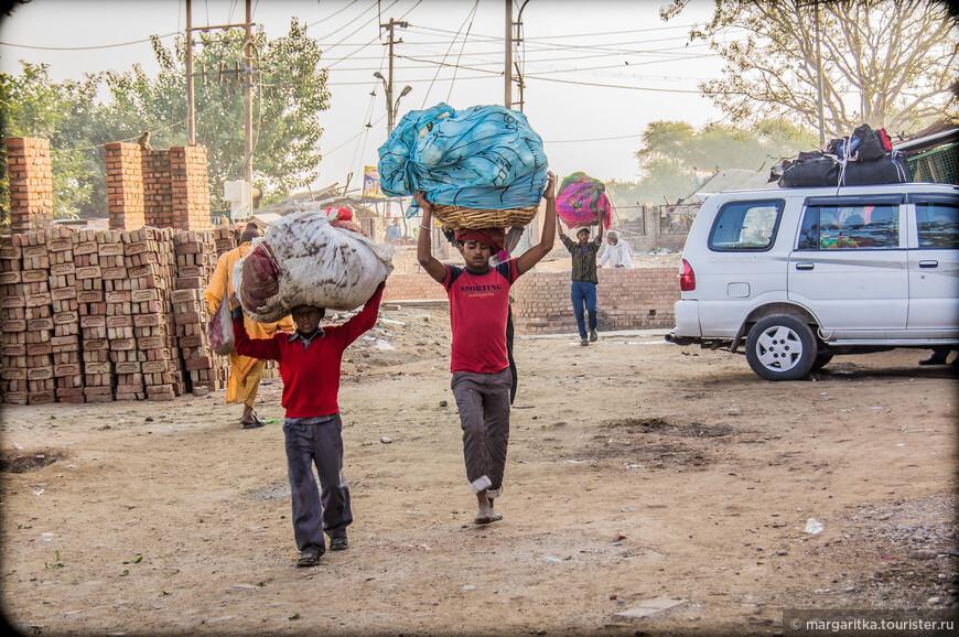 в Индии ничего не знают про защиту прав детей и про эксплуатацию их труда