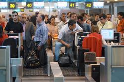 Задержки рейсов в Домодедово и Шереметьево продолжаются, Внуково работает по расписанию