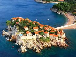 Черногория вводит обязательную регистрацию туристов в полиции