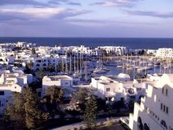 Английский МИД предупреждает туристов о возможности повторения терактов в Тунисе