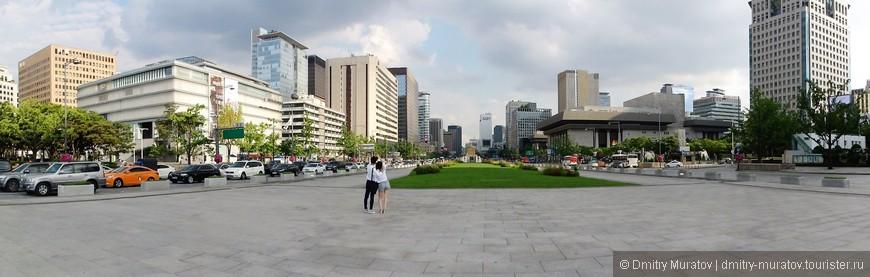 Панорама города на центральной улице
