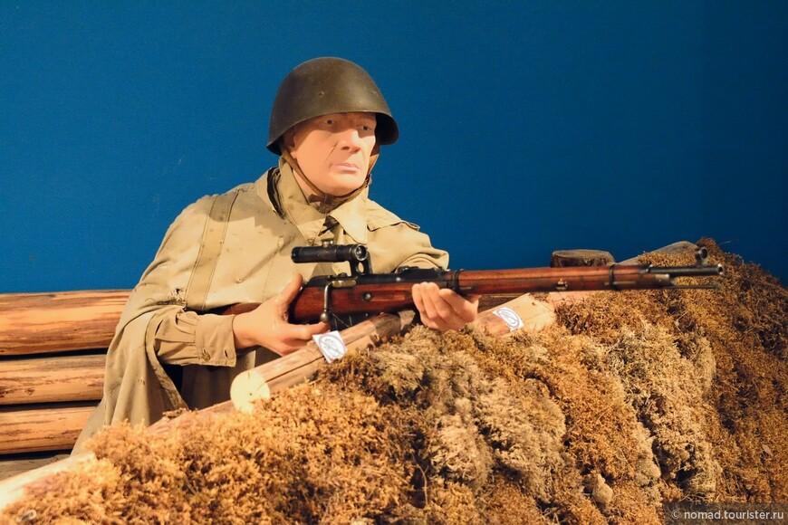 Можно сэкономить на видеонаблюдении - посадить снайперов.  В Военном музее..