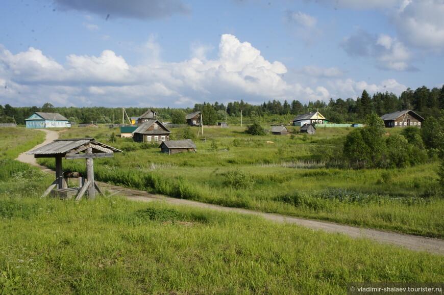 Далее вниз по течению Сухоны стоят рядом три деревеньки: Кичуга, Верхняя Кичуга и Нижняя Кичуга.