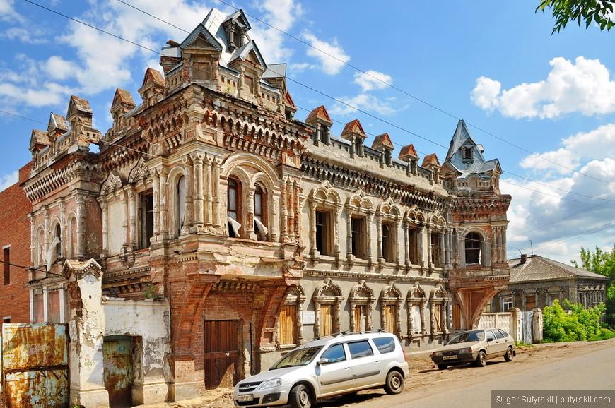09. Это просто выдающийся дом, таких я даже в Самаре или в Казани не встречал.