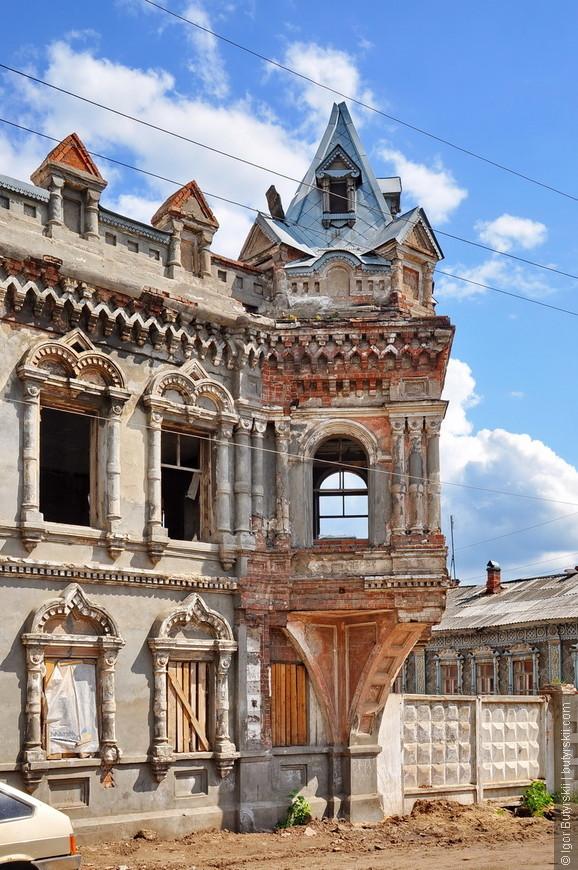 10. Какой размах, какое качество строительства, что даже до сих пор не могут уничтожить своим отношением это здание нынешние ответственные.
