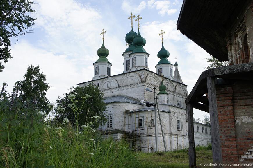 Собор Святой Живоначальной Троицы.