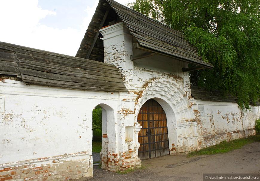 Святые ворота монастыря (середина XVIII в.)