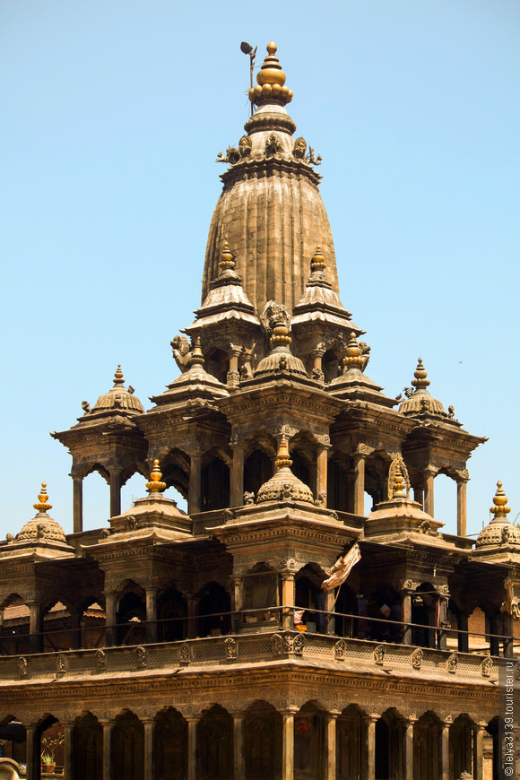 Krishna Mandir Temple in Durbar Square Patan Kathmandu.Храм Кришна Мандир, самый впечатляющий храм на Дворцовой площади
