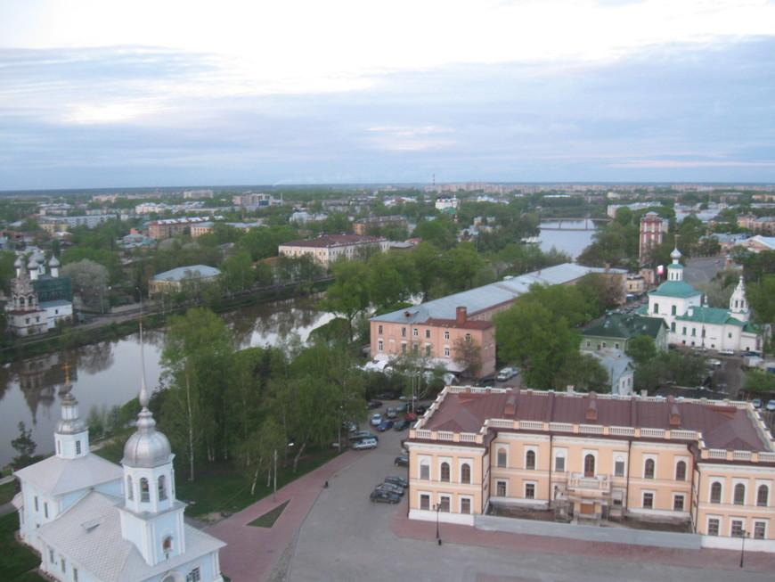 Вид на город с колокольни кремля