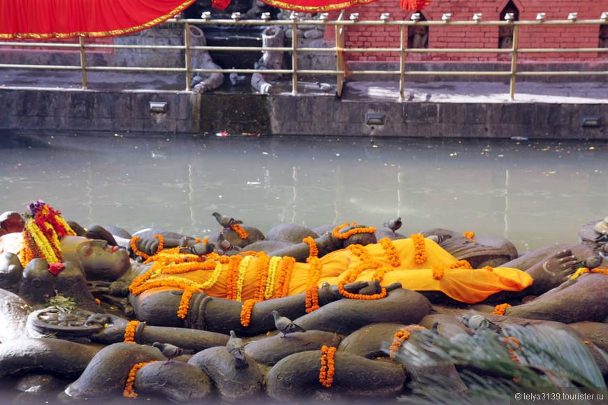 Спящий Вишну в Будданилканте