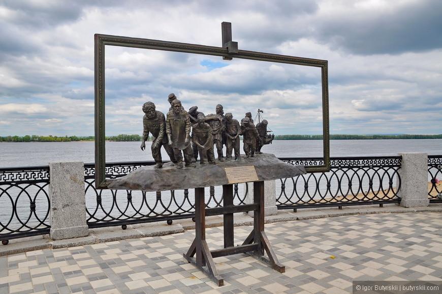 11. Скульптура «Бурлаки на Волге». Установлена была совсем недавно, но уже стала достопримечательностью набережной и всей Самары.