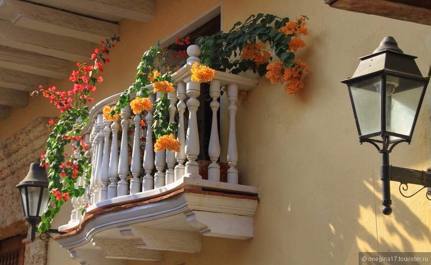 Двух одинаковых балконов в Картахене просто не найти!