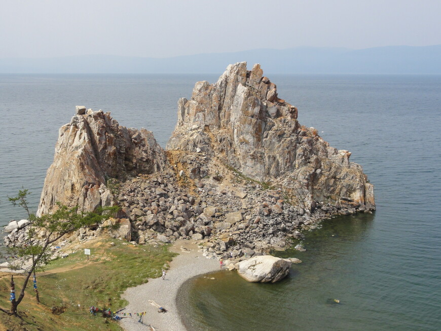 Визитная карточка Байкала - скала Шаманка
