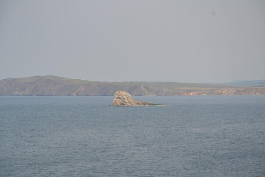 Небольшой скалистый островок