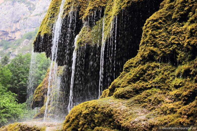 Ущелье Гунот около города Шуши  (Нагорный Карабах)  водопад Зонтик