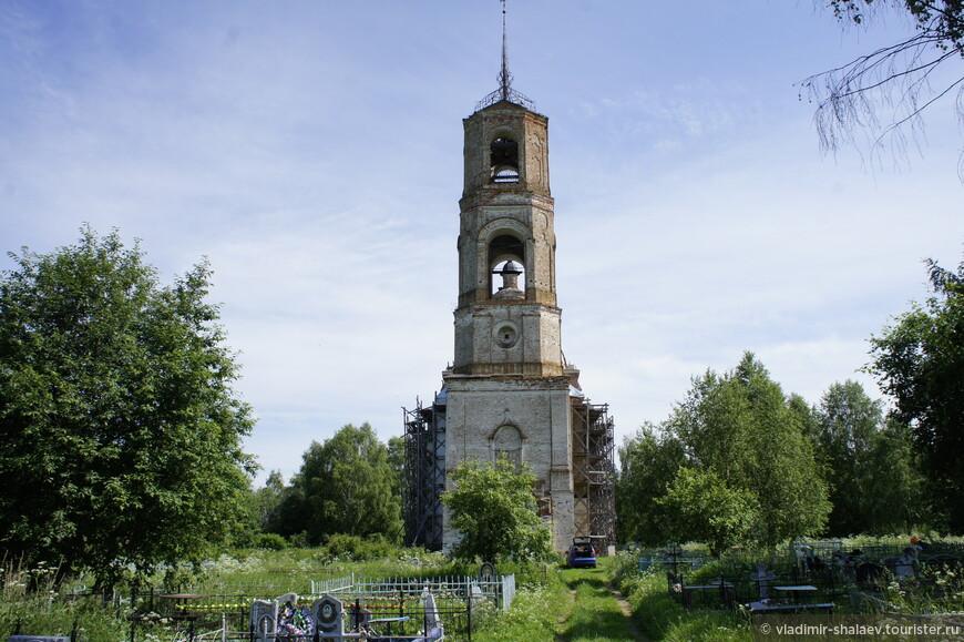 Василевская церковь, как я уже говорил, находится на территории старого кладбища...