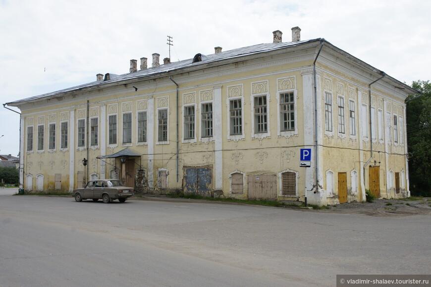 Здание Присутственных мест, конец XVIII — начало XIX вв.