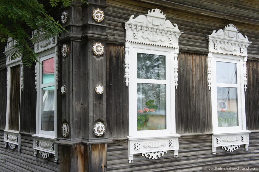 Декор одного из старых домов.