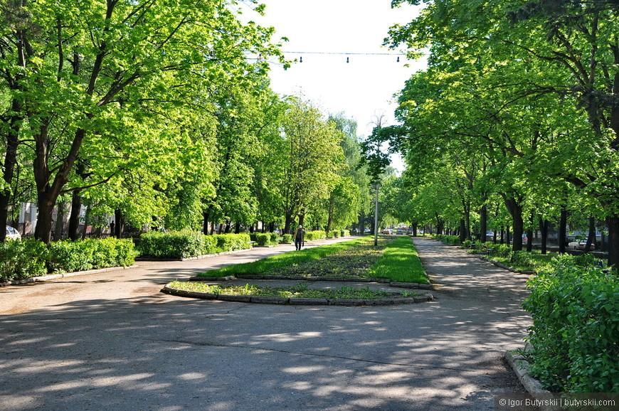 34. В общем, обычный советский стотысячник… Но университет очень хорошо влияет на город в целом, приятно, что такие объекты строятся и используются.