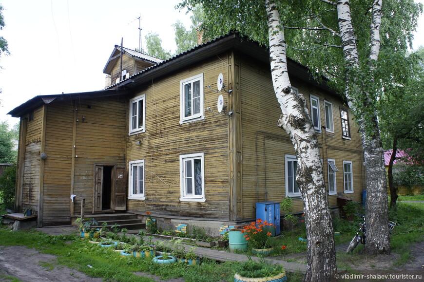 Характерная постройка Сольвычегодска. Собственно все жилые деревянные дома в городе выглядят именно так.