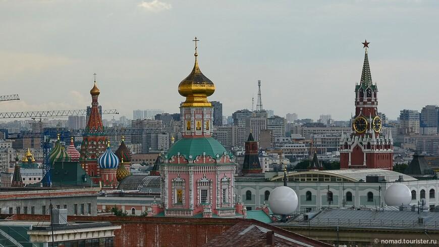 Храм Василия Блаженного, Рождественский монастырь и Спасская башня...