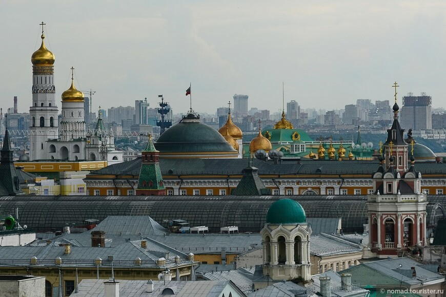 Купола кремлевских храмов...