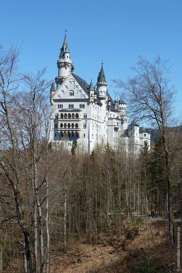 вид на замок по дороге на Мариенбрюке
