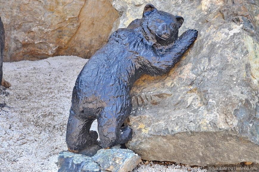 25. Чудный медведь, над созданием парка трудились мастера со всего Урала.