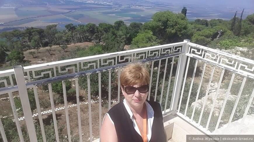 Изрээльская долина, открывающаяся на смотровой площадке около Храма Преображения Христова