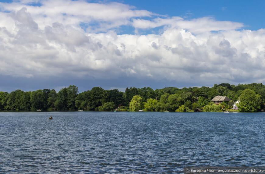 Озерами богата северная Германия, Мёльн лежит на юге земли Шлесвиг-Хольштайн.