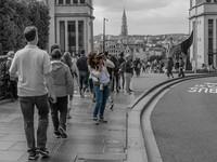 Люди на фоне Брюсселя