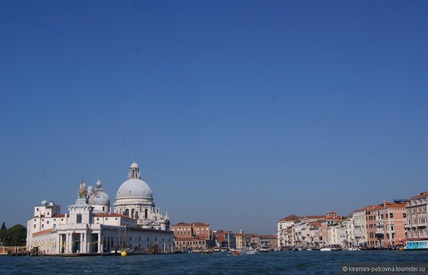 Вид на собор Сан Марко с Гранд-канала.