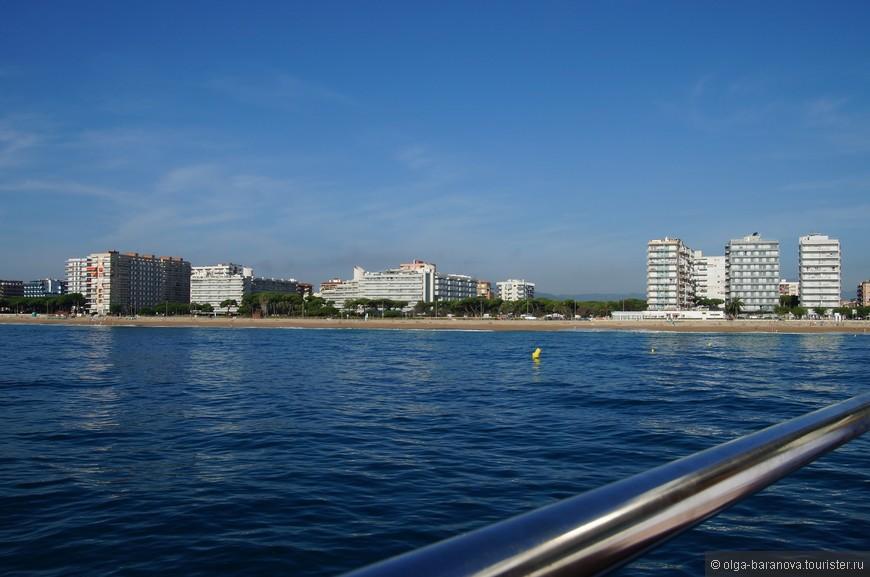 Мягкий морской климат Коста-дель-Маресме делает курорт популярным и для классического пляжного отдыха, и для лечения.