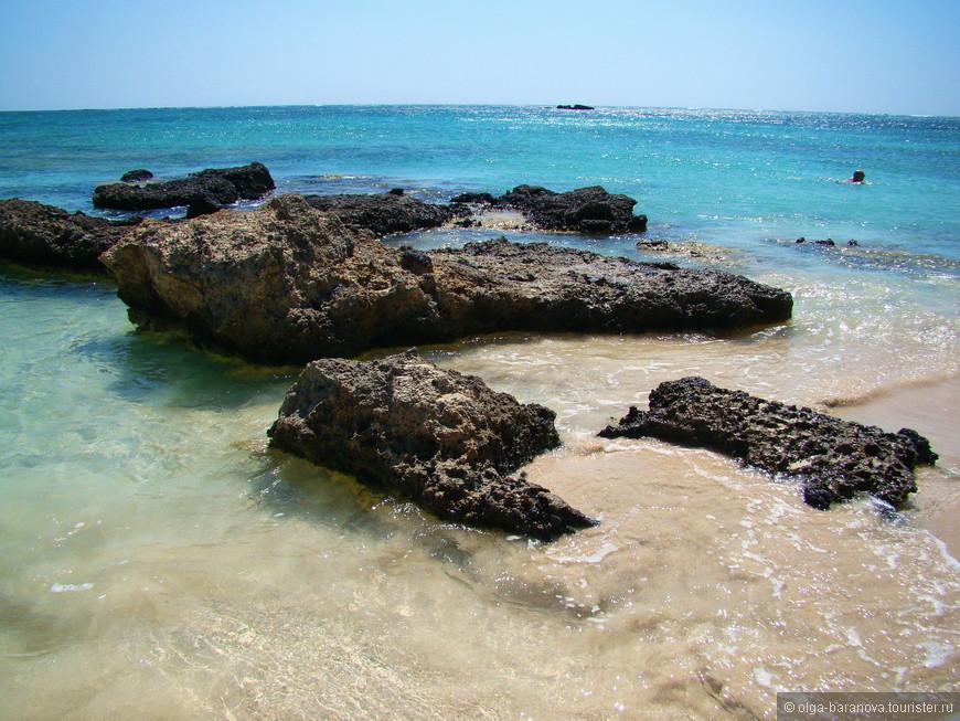 Несмотря на отдаленность Элафониси от всех туристических зон, на сложность горной дороги, это место непременно стоит посетить. Каждый найдет здесь что-то необыкновенное для себя, кого-то сразит лазурное море, кого-то пляж с розовым песком. Но все сходятся на мнении, что Элафониси - это райское место.