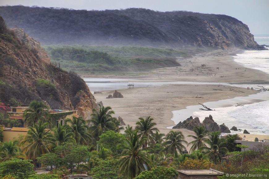 Горные реки проточили дорогу в горах, найдя выход к океану.