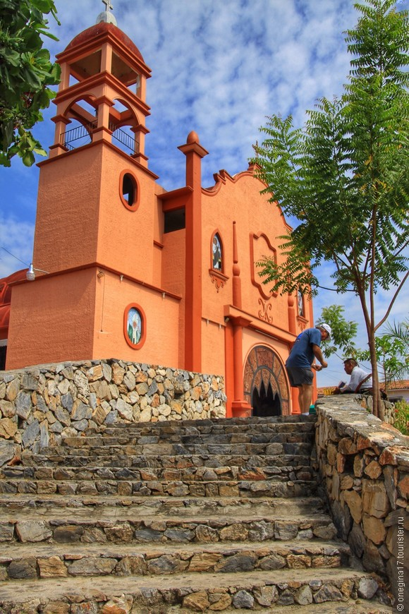 Крусесита - типичный мексиканский город, спланированный и построенный по классическим канонам.