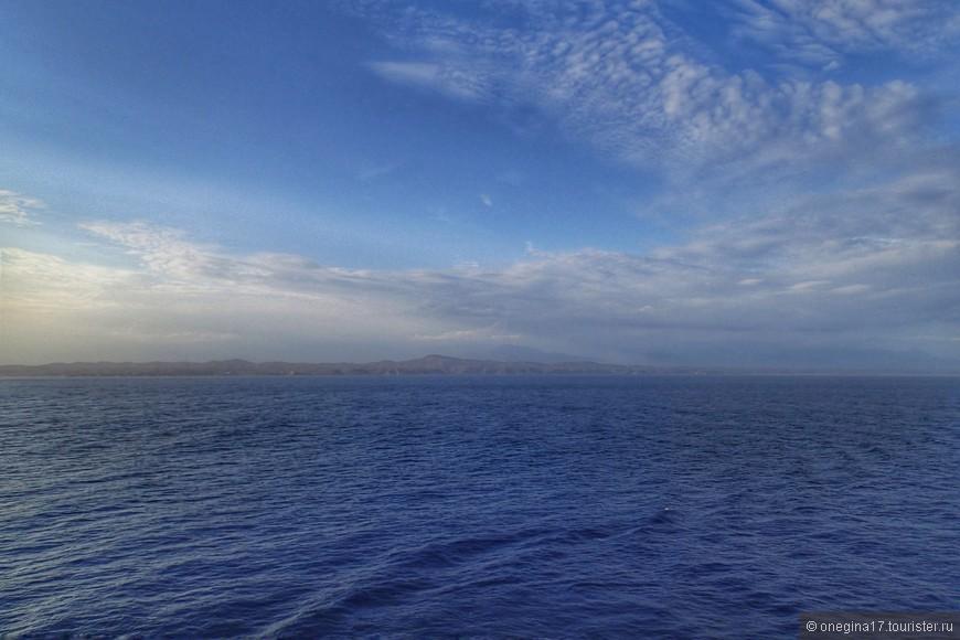 В Мексике очень красивые берега - рельефные, гористые, всех оттенков голубого. И в Уатулько очень хочется вернуться...