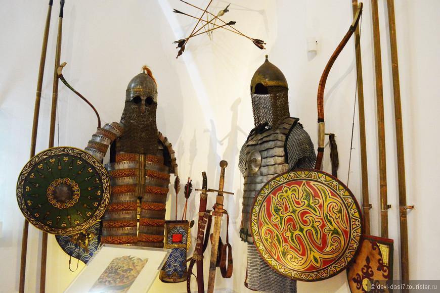 Военное обмундирование русского и монгольского  воинов