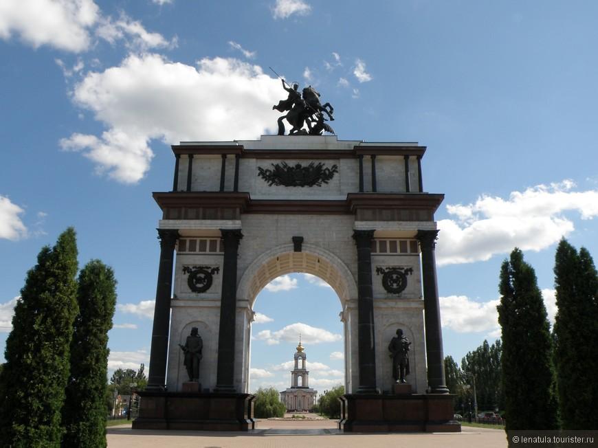 Триумфальная арка на проспекте Победы (15).JPG