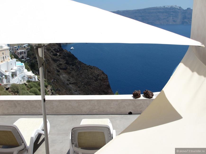 """над этим городом """"работают"""" лучшие молодые дизайнеры Греции, видимо, поэтому Ия хороша под любым углом и ракурсом!"""
