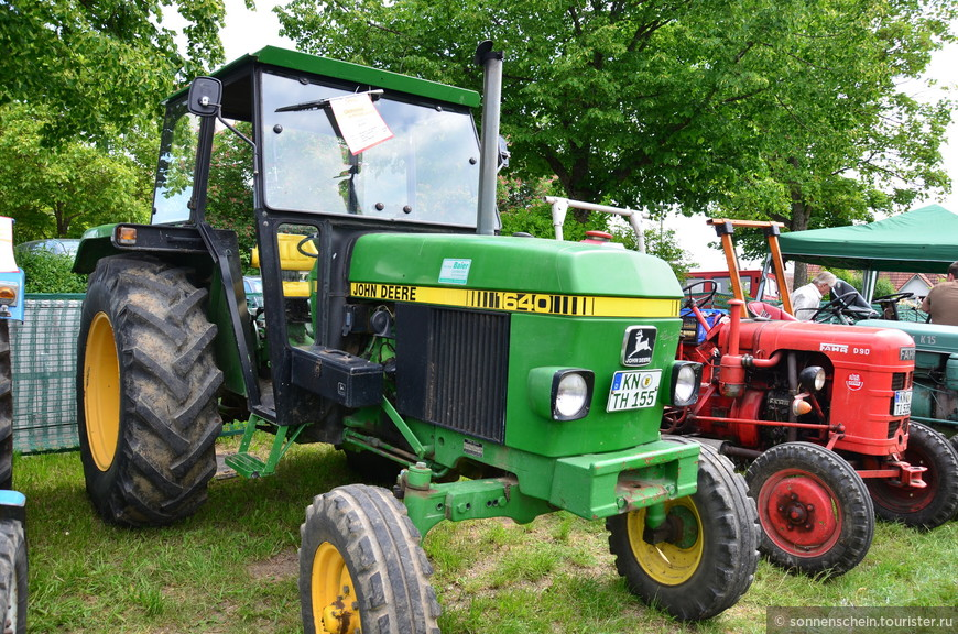 В 1950-х годах «Lanz» была выкуплена одним из крупнейших в мире производителей сельхозтехники, американской фирмой «John Deere» – тех самых, что ездят по просторам Среднего Запада с запатентованным зелёным цветом лака и жёлтой полоской. Кличка «бульдог» пережила своего создателя, и с тех пор применяется ко всем видам маленьких тракторов.