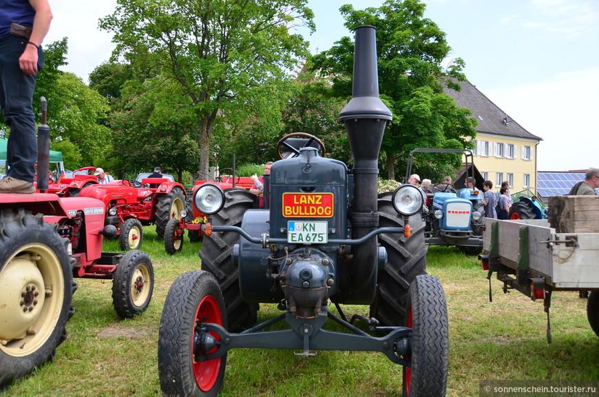 В разгар войны сыновья Eicher выпустили первый в мире трактор с дизельным мотором и воздушным охлаждением. Как человек, далёкий от мира тракторов, я не знаю, что в этом моторе заслуживает похвалы, но очевидно это было большое достижение, потому что после этого изобретения дела Eicher'ов стремительно пошли на подъём.