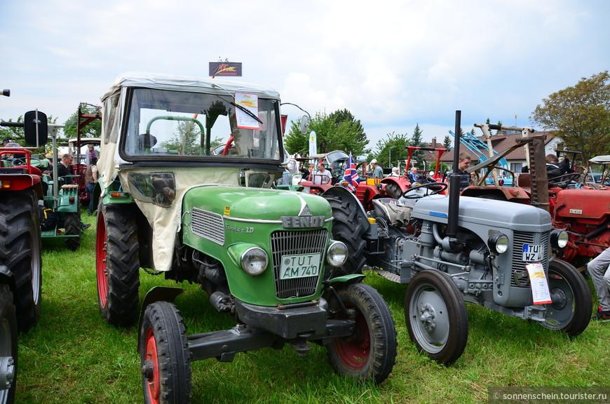 После окончания войны в разрушенной Германии срочно требовались тракторы, и тут Eicher'ы снова оказались востребованными. За первые десять послевоенных лет с их конвейера сошло 20 000 тракторов. Бизнес рос, открылись заводы в двух близлежащих городах. Тракторы «Eicher» создавались на основе двигателей других немецких производителей, в первую очередь «Deutz» и «Hatz». Модель с дизельным двигателем на воздушном охлаждении, как и раньше, пользовалась неизменным спросом.