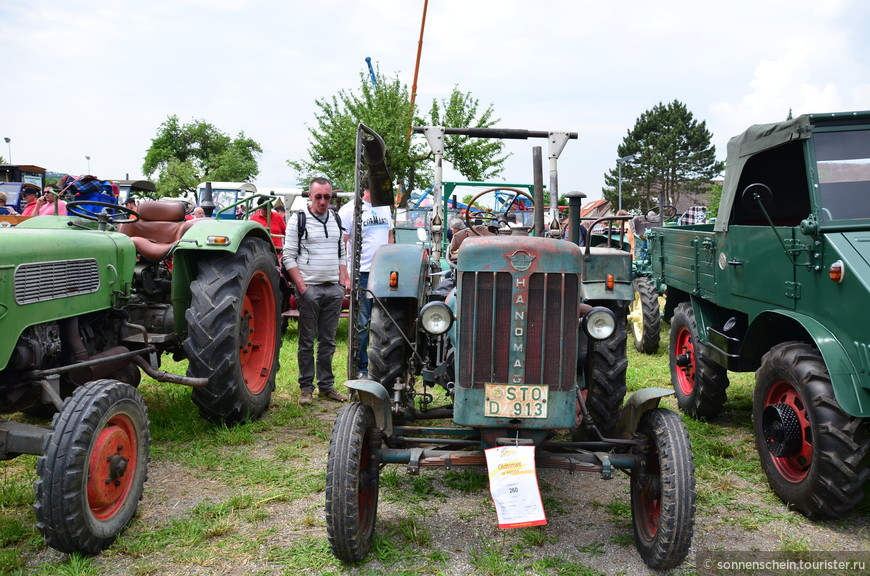 Eicher'ы выпускались с 1941 по 1984 год. За четыре десятилетия фасон тракторов изменялся сообразно моде. Поначалу тракторы были угловатыми. Дизайном никто не занимался.