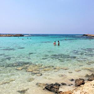 На райском пляже Nissi Bay.
