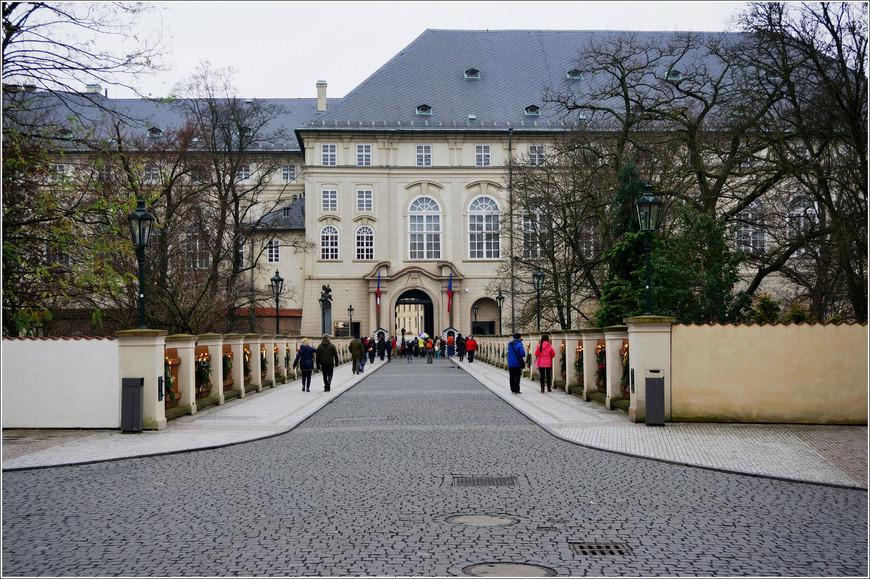 Пороховой мост. Северные ворота Пражского Града.