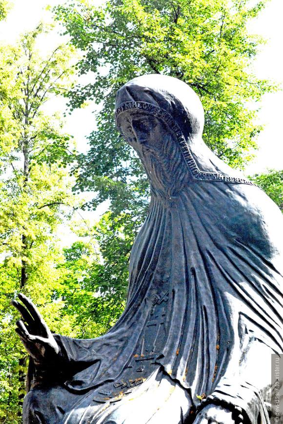 Преподобный Савва Сторожевский - самый известный и горячо любимый верующими святой. Этот богомолец за свою жизнь вдохновил немало мирян и монахов на жизнь согласно христианским идеалам.